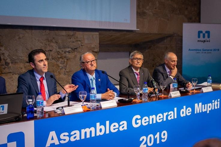 Momento en el que D. José Antonio Galdón, presidente del COGITI, se dirige a los asambleístas en las palabras de clausura de la Asamblea.