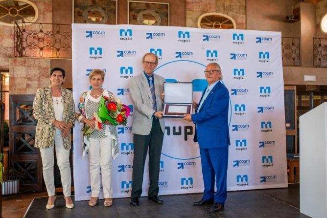 Reconocimiento a D. Josep Pujols, delegado saliente de Mupiti en el Colegio de Tarragona